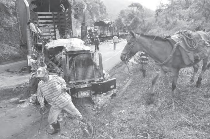 Bloqueo del ELN a la autopista Bogotá - Medellín. Fotografía: Jesús Abad Colorado © 2000.