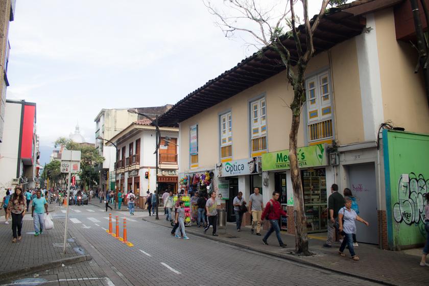 Casas antiguas sobre la carrera séptima de Pereira